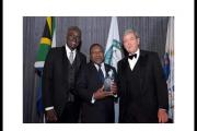 Presidente Nyusi ganha prêmio em nova york no mesmo palco onde a up foi estrela cadente